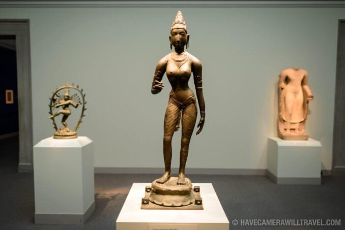 185-155852868 Freer Gallery of Art Bronze statue of Queen Sembiyan.