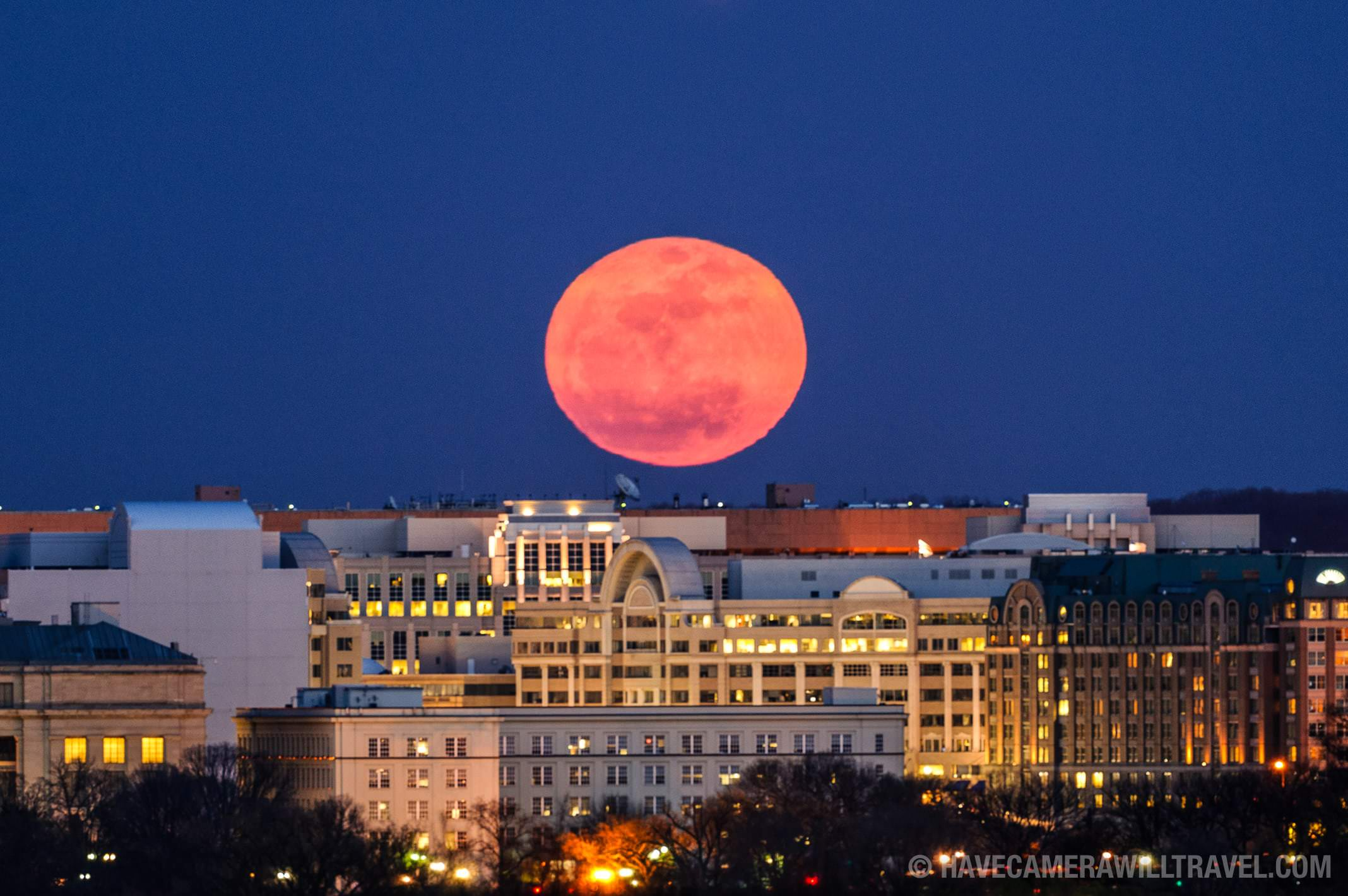2011 Super Moon rising over Washington DC