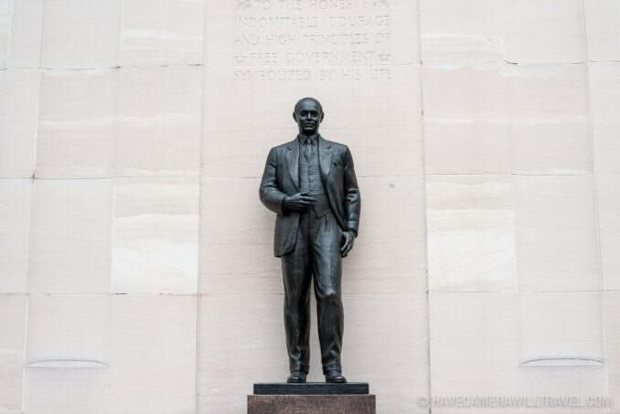 Robert Taft Memorial and Carillon in Washingotn DC Bronze Statue
