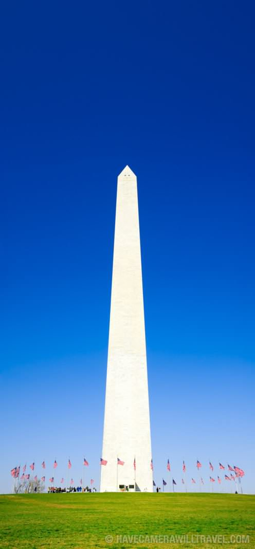 Washington Monument with a clear blue sky.