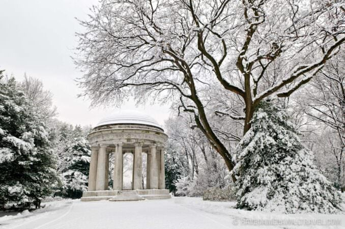 World War One Memorial on the National Mall in the snow (Photo)